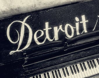 Canvas/Metal Print: Detroit Piano