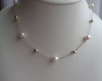 Necklace white gold, yellow gold and rose gold with Akoya cultured pearls in 585-er
