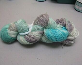 hand dyed Sock Yarn Maniac  limited quantity 75/25 % wool nylon superwash 100 grams 430 yards plus lurex silver glitter strand