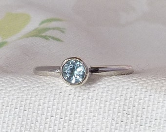 Sterling Silver Blue Topaz Gemstone Stacking Solitaire Ring, December Birthstone, size O