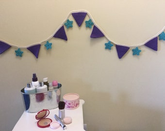 Star and triangle crochet bunting