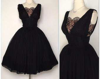 Vintage 1950s New Look dress Very Full Skirt / Shelf bust / Retro / Rockabilly / Glamour