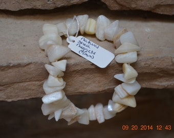 Natural Shell Stretchy Bracelet