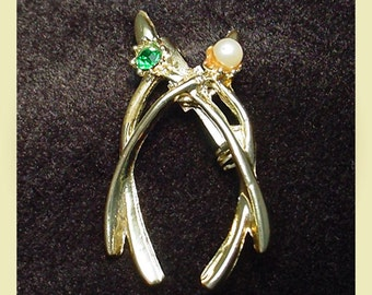 Lucky Double Wishbone Vintage Brooch Pin