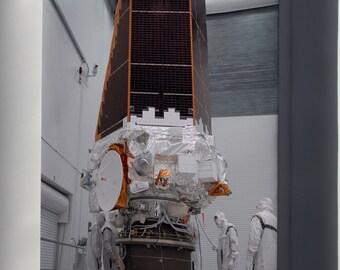 Canvas 16x24; Kepler Space Telescope
