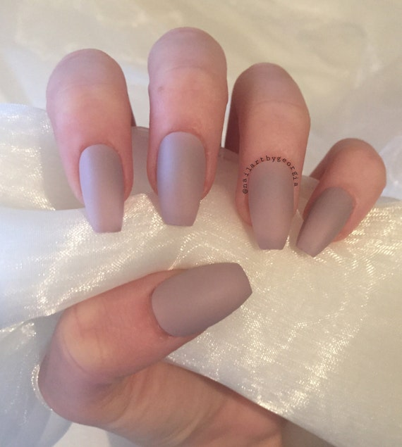 faux ongles matte