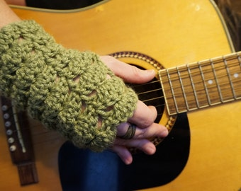 SUPER EASY Green FANtastic Gloves