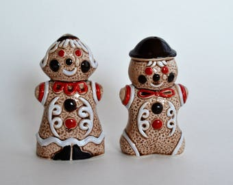 Vintage Gingerbread coockie Salt and Pepper shakers, Hand Painted  Figurines, Bone China, Japanice figurine, Collectable  porcelain