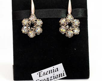 Flower Earrings made with beads and swarovski crystals. STATEMENT BEADES EARINGS
