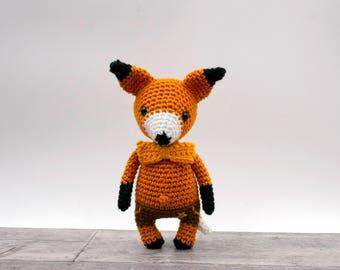 Crochet pattern: Victor the mini fox