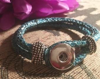 Woven snakeskin blue silver snap button bangle