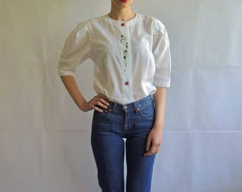 Vintage White Embroidery Puff Short Sleeves Button Up Shirt