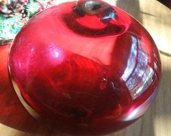 "Hand blown fushia/pinkish art glass piece. 8.5W x 6""H ,No dings or nicks, vivid color  Estate sale find"