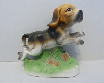 Beagle Figurine, 8DA-11, Made in Taiwan