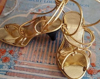 Vintage Style Gold Metallic Heels Shoes for Madame Alexander Cissy Doll