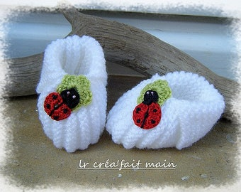 Knitted baby girl slippers
