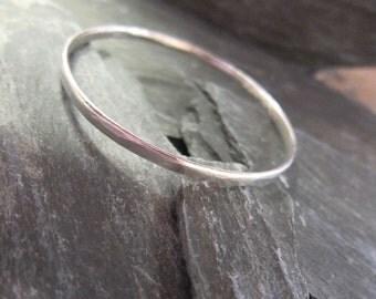 """Bangle bracelet """"Spece"""" Sterling Silver, bracelet Handcrafted in France.Argent massif."""