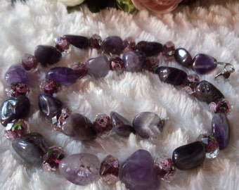 Amethyst nuggets free grinding with Czech beads