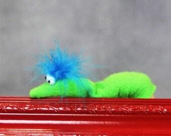 Finger Puppet -Worm/Caterpiller