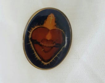Vintage Sacred Heart Pin.....Tack....Oval shaped