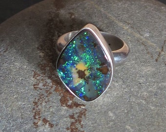 Massive silver ring 950 and Opal Boulder of Australia