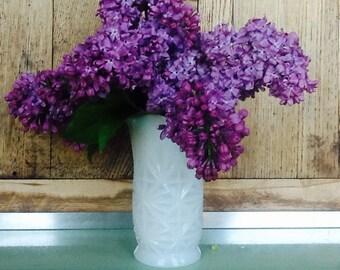 Milk glass vase, small