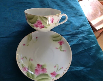 Nippon moriage teacup with violets