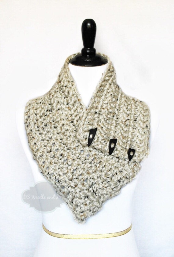 Cream Tweed Crochet Scarf, Crochet Button Cowl, Crochet Neck Warmer, Wrap, Collar Scarf - Neutral, Mid-weight, Off White, Winter White