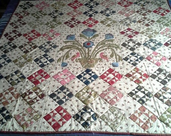 Traditional  pieced quilt with applique centre. Antique style. Throw or lap quilt
