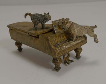 Antique Austrian Cold Painted Bronze Match Strike / Vesta - 1891 - Cat and Dog