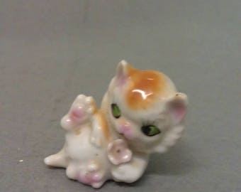 Off White Cat with Tan with Green Eyes and Colorful Features Cat Figurine