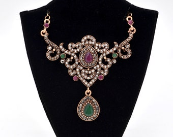 Antique Gold Ornate Vintage Style Red And Green Crystal Fashion Necklace