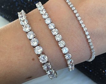 3 Sizes. Classic Tennis Bracelet Cubic Zirconia and Platinum Plating. Bridal Bracelet.