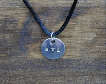 Necklace engraved round plate