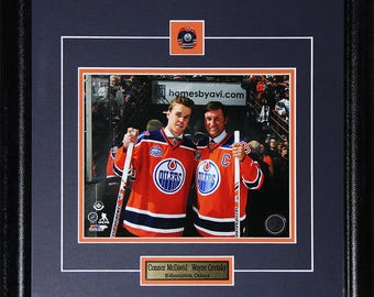 Connor McDavid & Wayne Gretzky Edmonton Oilers Rexall Place Final Game 8x10 frame