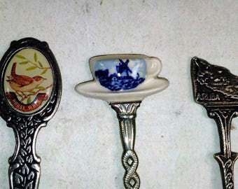 Set Of 3 Souvenir/Collectible Spoons/Holland, House Wern And Aruba (Sw)