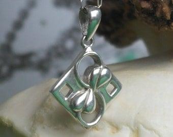 Vintage Scottish Sterling Silver mackintosh Floral Style 925 signed SG Pendant / Necklace