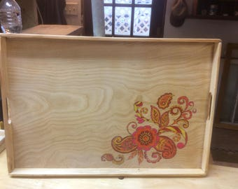 Serving tray with flower design