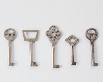 Set of 5 keys, collection of keys, vintage keys, skeleton key, vintage barrel key