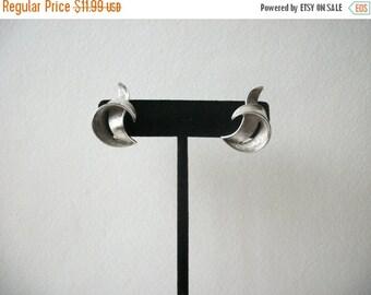 ON SALE Vintage 1960s TRIFARI Brushed Metal Clip On Earrings 020217