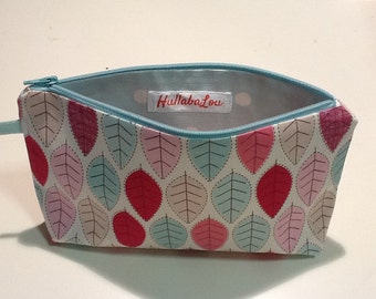 Wash bag,pink makeup bag, toiletry bag,blue makeup purse,pencil case,cosmetic purse,girls wash bag,zipper purse,polkadot purse