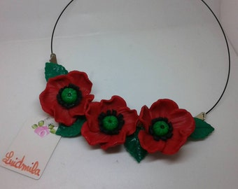 Pretty poppies in necklace