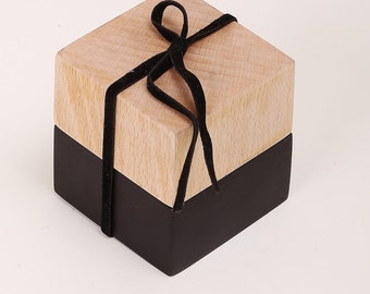 Wooden Box with a Flipcoin -  token (coin from wood) YES/NO - toss a coin - heads and tails