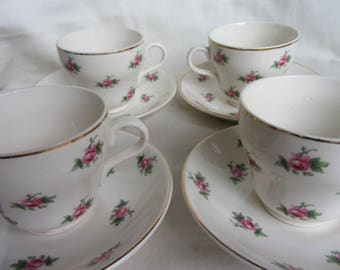 Vintage set of 4 demitasse cups and saucers. Pink roses. English pottery coffee cups. Bristol pottery, Pountney & Co 1960's retro