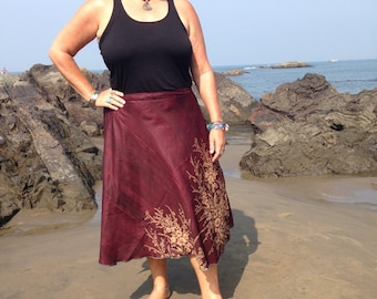 Wrap Around Silk Sari Skirt / Reversible skirts  / Green/Burgundy Skirt / Gypsy Skirt / Indian wrap skirt / Magic skirt/ bohemian skirt
