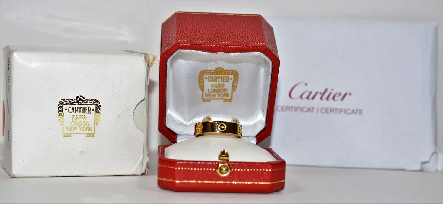 cartier designer 1qqy  Immaculate Famous Designer Cartier 18kt Yellow Gold Mens Band