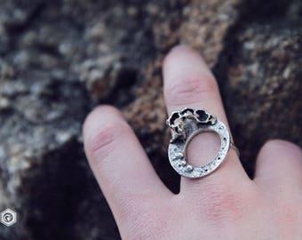 strange moon ring - silver ring - circle - dots - nature - organic