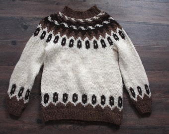 Vintage Ski Sweater // 1960s 1970s Brown and Cream Knit Wool Pullover Sweater // Winter Sweater