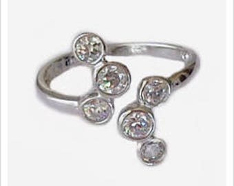 CZ High Seas Adjustable Toe Ring in Sterling Silver - Six Amazing CZ Stones
