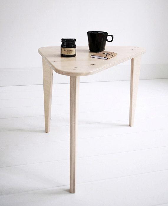 Couchtisch Holz Individuell ~ Hip 1 individuell handgefertigte Sperrholz Couchtisch  Nachttisch